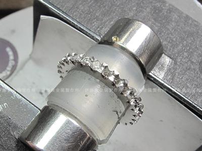 フルエタニティリングのダイヤ石留め