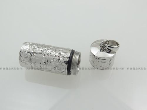 Pt900/K18WGピルケース(ニトロケース)ペンダント