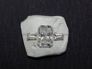 ラディアントカットダイヤとテーパーダイヤ