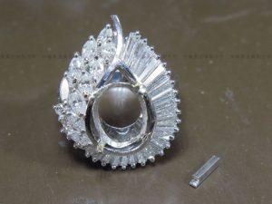 Pt900ロードライトガーネットリング 爪修理