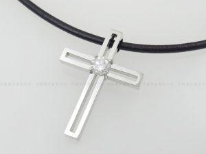 Pt900ダイヤ十字架ペンダント